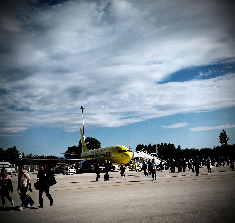 Flugzeuge oder wie eng darf es im Flieger sein