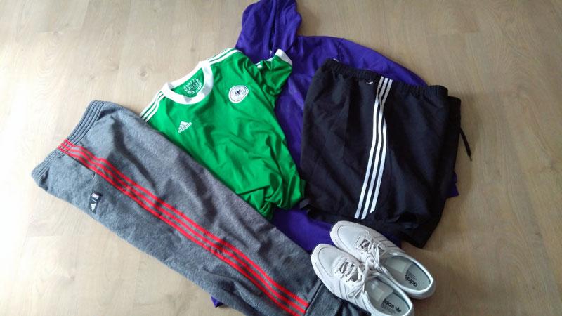 Sportmode von Adidas in Übergröße