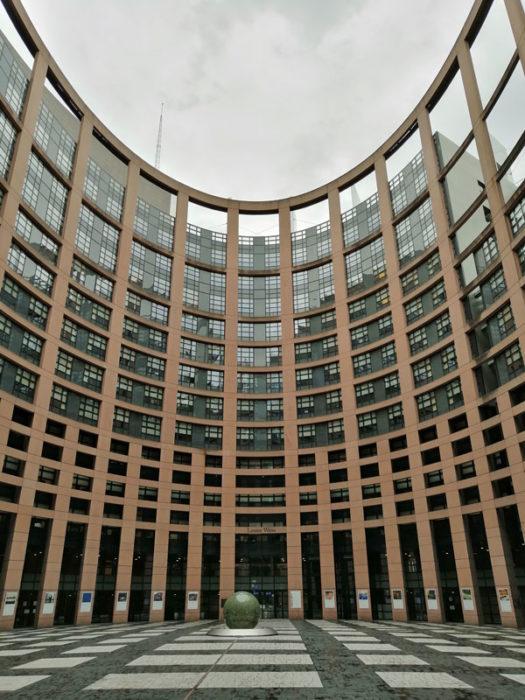 Innenhof des Europaparlaments Straßburg